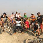 Challenge Ruwenzori Mountain-Bike Solidario foto de grupo con Edris