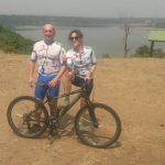 Challenge Ruwenzori Mountain-Bike Solidario Una de las parejas del grupo